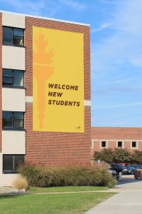 welcome new students banner
