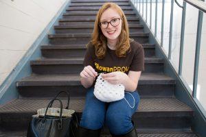 Rowan student Melissa in #ROWANproud tee shirt knitting