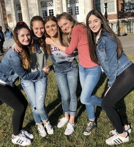 Nicole and her four friends in front of Bunce Hall