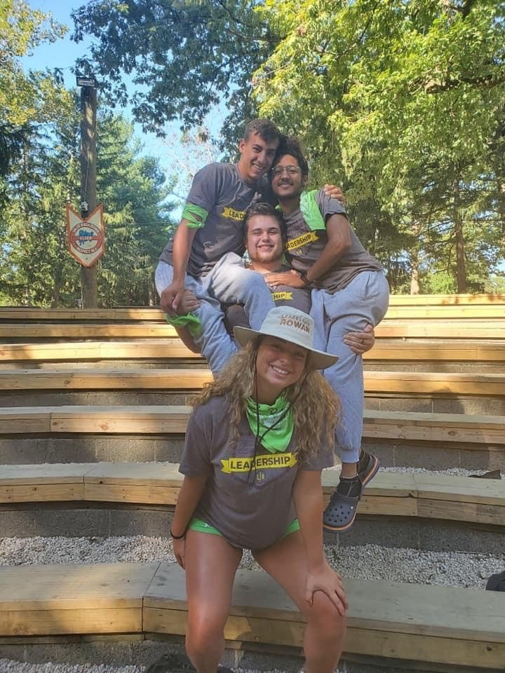 Psychology major Callie poses with some of her First Year Connection: Leadership group members.