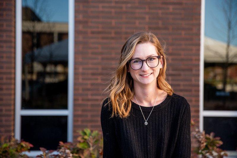Headshot of Amanda Kuster.