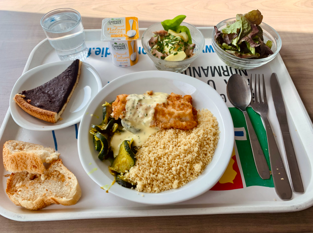 Photo of French school lunch showing a well-balanced and delicious meal.