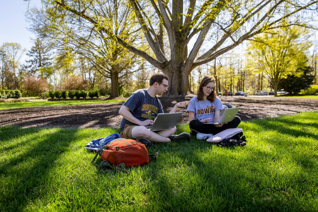Students studying on Bunce Green.