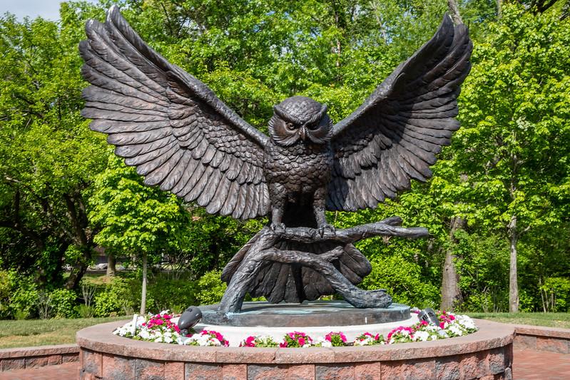 Prof statue.